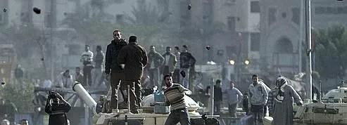 Des centaines de blessés <br/>dans les affrontements au Caire <br/>