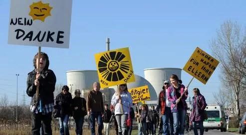 Le 20 mars, devant la centrale nucléaire de Biblis dans la Hesse, en Allemagne.