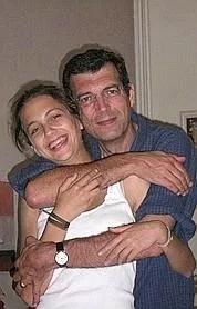 Le fugitif, Xavier Dupont de Ligonnès , avec sa fille Anne, sur une photo non datée. D.R.