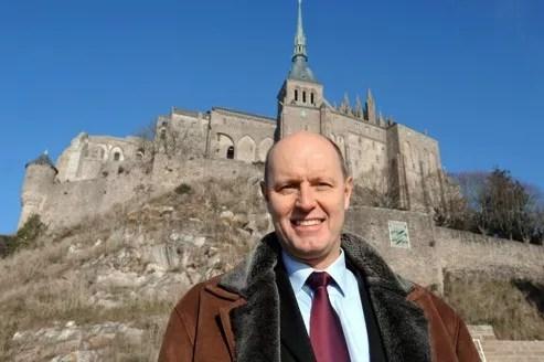 Carl Lang pose en 2009 après avoir quitté le FN.