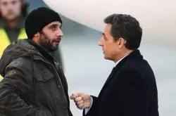William Daniels (ici à son retour, vendredi, avec Nicolas Sarkozy) n'a pas quitté les côtés de sa consœur blessée.
