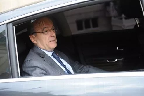 Alain Juppé quitte l'Élysée le 9 mai après le dernier Conseil des ministres du quinquennat de Nicolas Sarkozy.