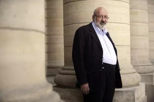 Maurice Dufresse, alias Pierre Siramy, à Paris, en 2010. Il encourt une amende de 15.000 euros.