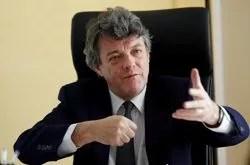 Jean-Louis Borloo: «Les grandes familles politiques, comme les grands clubs de football, ne meurent jamais!»
