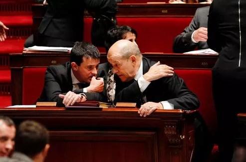 Manuel Valls et Jean-Yves Le Drian, deux initiés du gouvernement.