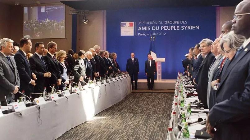 La 3e réunion des Amis du peuple syrien, en juillet à Paris, en présence de Laurent Fabius et de François Hollande. La France était à l'initiative de la création de ce groupe.