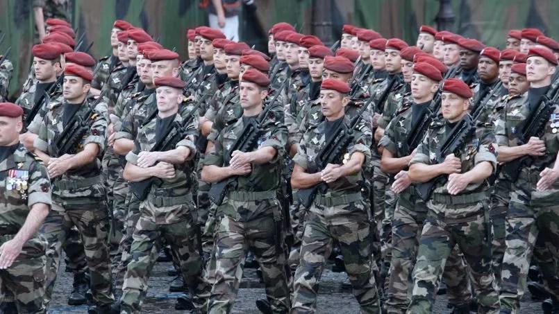 Dix-neuf mois que le logiciel de gestions des paies «Louvois», victime d'une série de bugs informatiques, sème la panique dans les bulletins de salaire des soldats, du petit sous-officier au plus haut gradé.