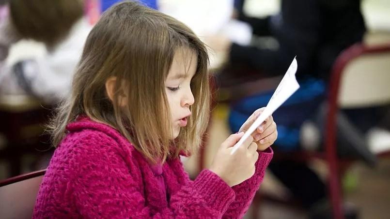 À l'école primaire, le temps consacré à la lecture diminue au profit de nouvelles disciplines, comme le numérique ou encore les langues vivantes.