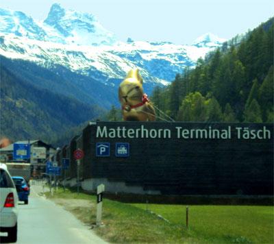 Giant Lindt Easter bunny in Switzerland
