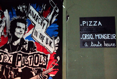 <Anarchy vs French croque monsieur, in Annecy, France>