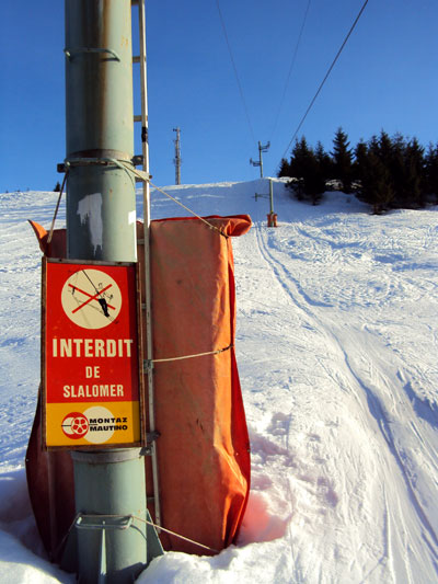 <Picture of the St Jean de Sixt ski area and interesting old sign>