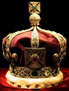 Crown of India by Pietro & Silvia, at http://commons.wikimedia.org/wiki/File:ImperialCrownOfIndia2.jpg