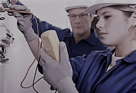 Aprire partita iva come elettricista: quali requisiti devo avere? Vale l'apprendistato?
