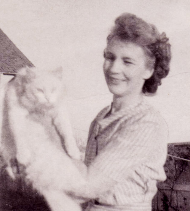 Opal (Robertson) Cottrell, 21 August 1898 - 15 March 1995