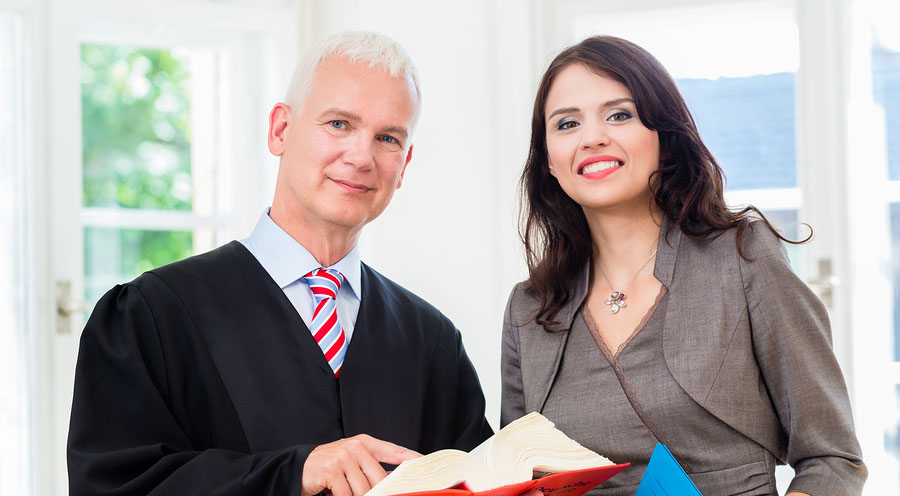 Tips To Establish Trust Between A Lawyer And A Paralegal
