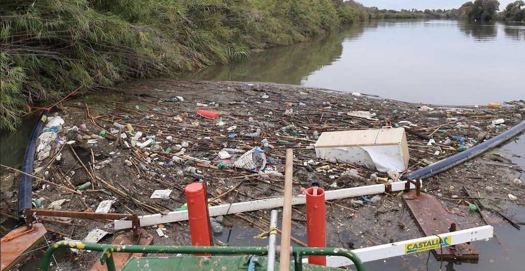 Tutti i fiumi finiscono al mare (e la plastica anche …)