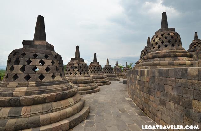 Visita Templo budista más grande del mundo Borobudur Indonesia