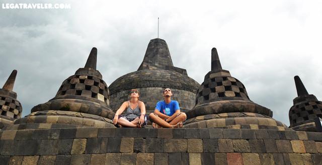legatraveler en borobudur indonesia