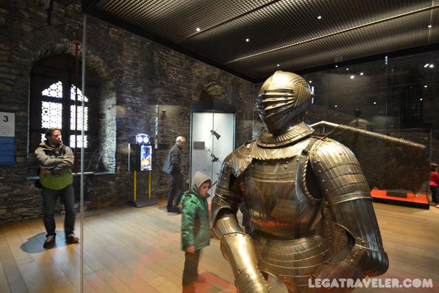 interior-castillo-condes-gante