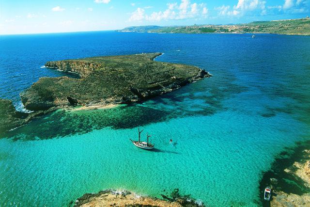 que-ver-en-malta-blue-lagoon