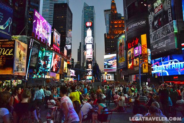 vistas-red-stairs-times-square-nueva-york