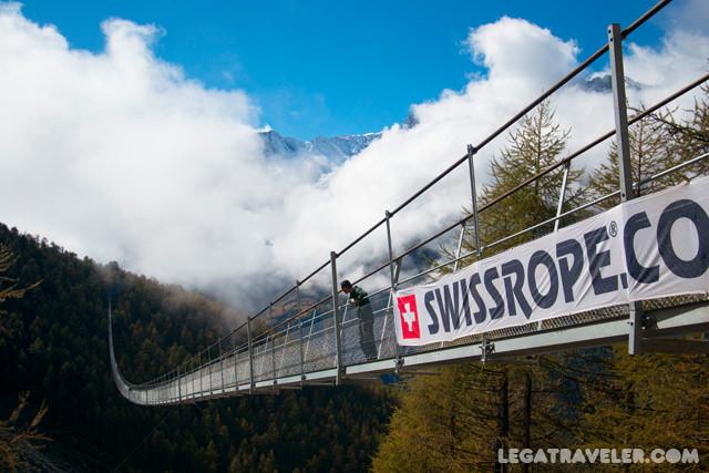 trekking-puente-colgante-mas-largo-del-mundo-suiza