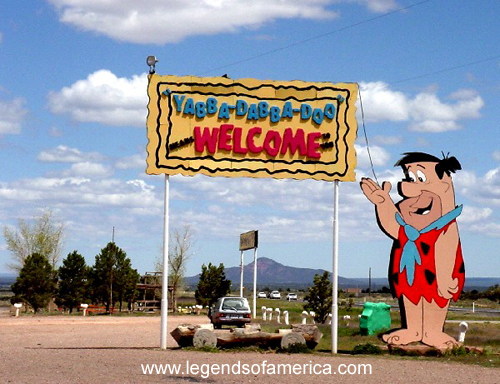https://i2.wp.com/www.legendsofamerica.com/photos-arizona/BedrockCity.jpg