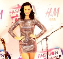Photos : Katy Perry inaugure H & M à Tokyo