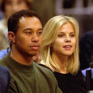 Elin Nordegren rend visite à Tiger Woods