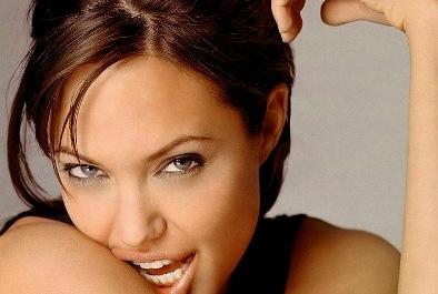 Angelina Jolie houlette Tim Burton