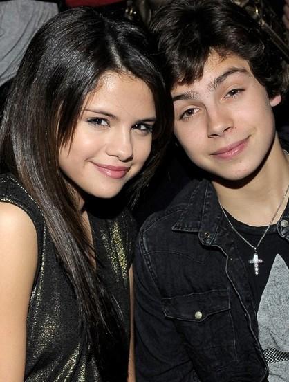 Selena Gomez anniversaire Jake T.Austin Photo