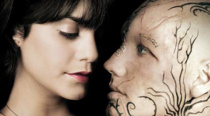 Vanessa Hudgens Alex Pettyfer date de sortie de Beastly avancée