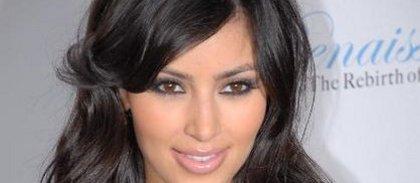 Kim Kardashian- Incendiée par Elton John