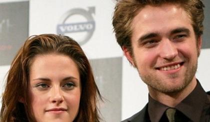 Robert Pattinson et Kristen Stewart entourés d'amis à Vancouver