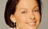 Ashley Judd- Sa mère fait son mea-culpa