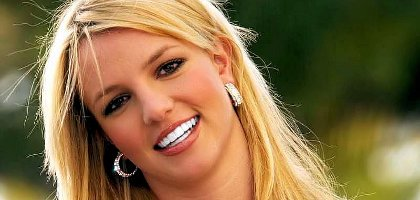 Britney Spears remplace Enrique Iglesias par Usher