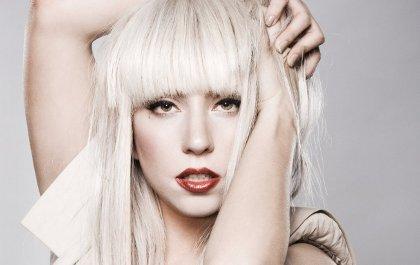Lady Gaga honorée d'être marraine du fils d'Elton John