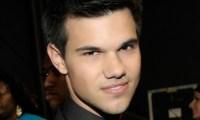 Twilight 4- Taylor Lautner impressionnant estime Rob Lowe