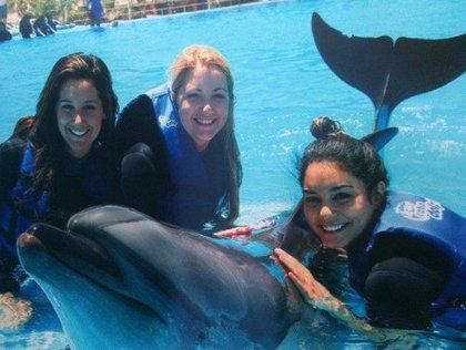 Vanessa Hudgens et Ashley Tisdale à Cabo
