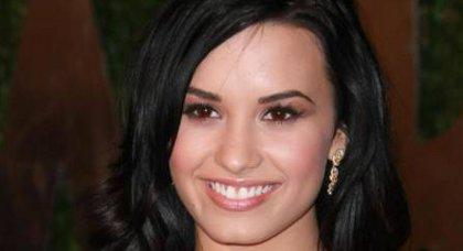 Demi Lovato fait un pas vers Joe Jonas