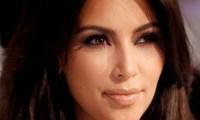 Kim Kardashian- mère somme Daniel Craig