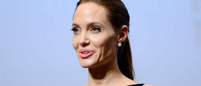 Angelina Jolie plus que la peau sur les os