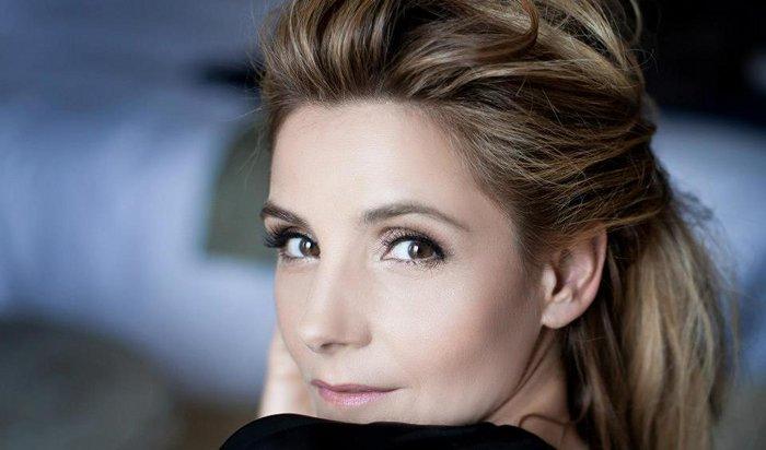 Clotilde Courau oublie rumeurs avec Stanislas Merhar