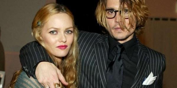 Vanessa Paradis et Johnny Depp, découvrez les encore très jeunes et souriants. (photo)