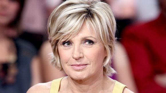 Evelyne Dhéliat «évincée et humiliée» selon France Dimanche