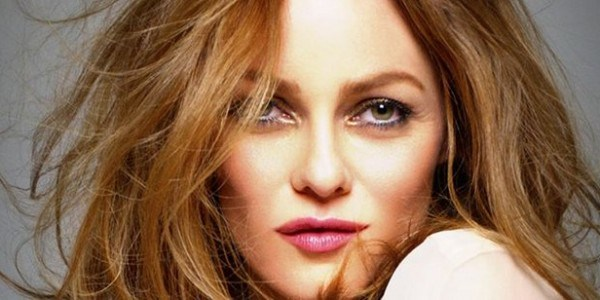 Vanessa Paradis sublime en cheveux courts du temps de son idylle avec Johnny Depp