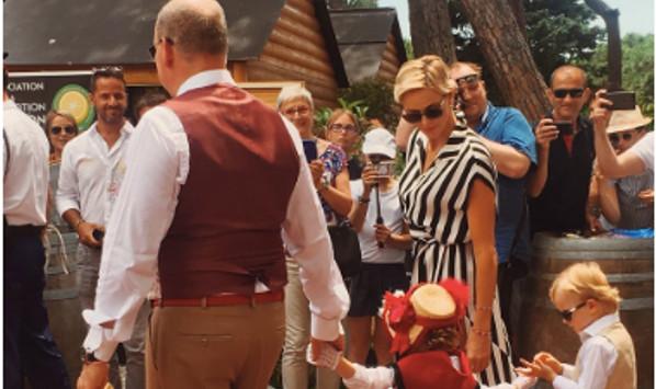 Charlène et Albert de Monaco assistent à la première rencontre des «sites historiques Grimaldi de Monaco».