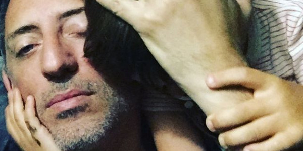 Gad Elmaleh retrouve Charlotte Casiraghi et leur fils à Monaco (photo)