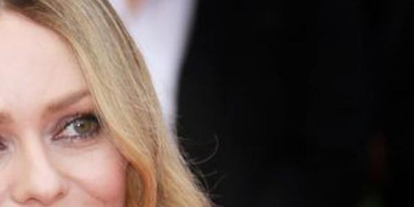 Vanessa Paradis, sans coeur, un  célèbre chanteur balance sur son compte