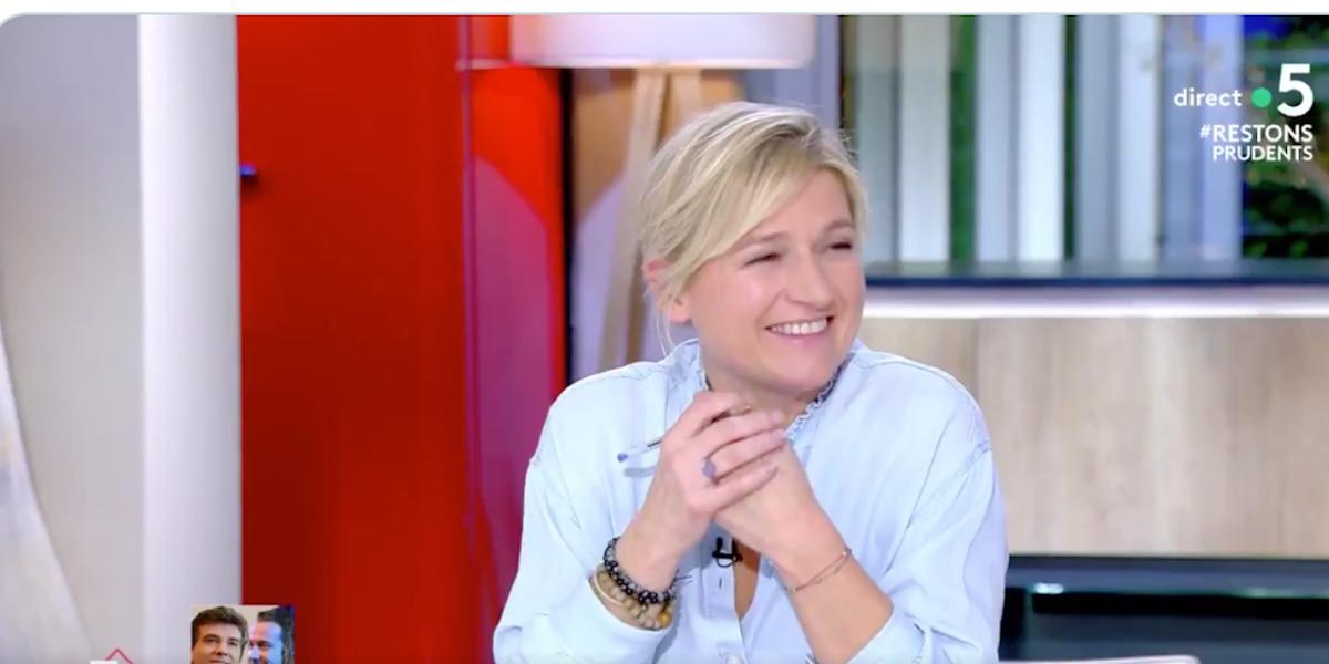 anne-elisabeth-lemoine-deplorable-confidence-de-donald-trump-images-choc